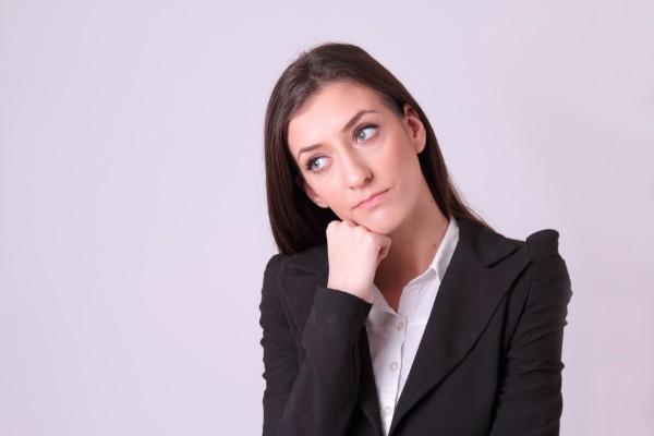 アパレルショップの給料が気になる女性